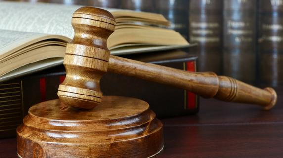 厳格な法的規制――FinTech事業をどう展開するか?