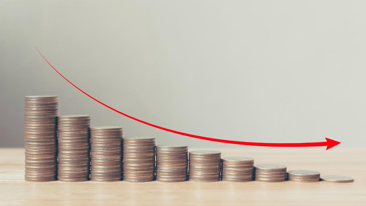100%損金タイプの逓増定期保険・長期平準定期保険等の比較表
