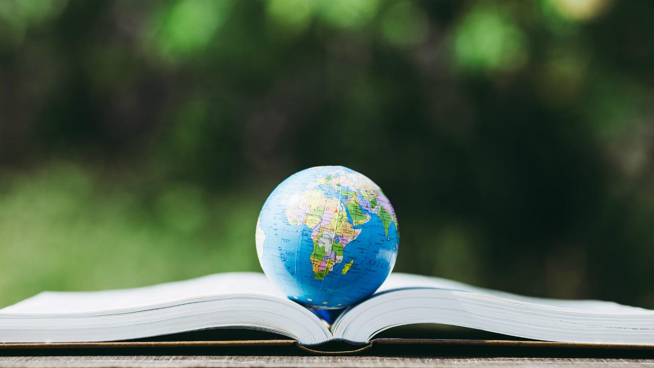 年間500万円超の費用がかかる「親子留学」…贅沢か、投資か?