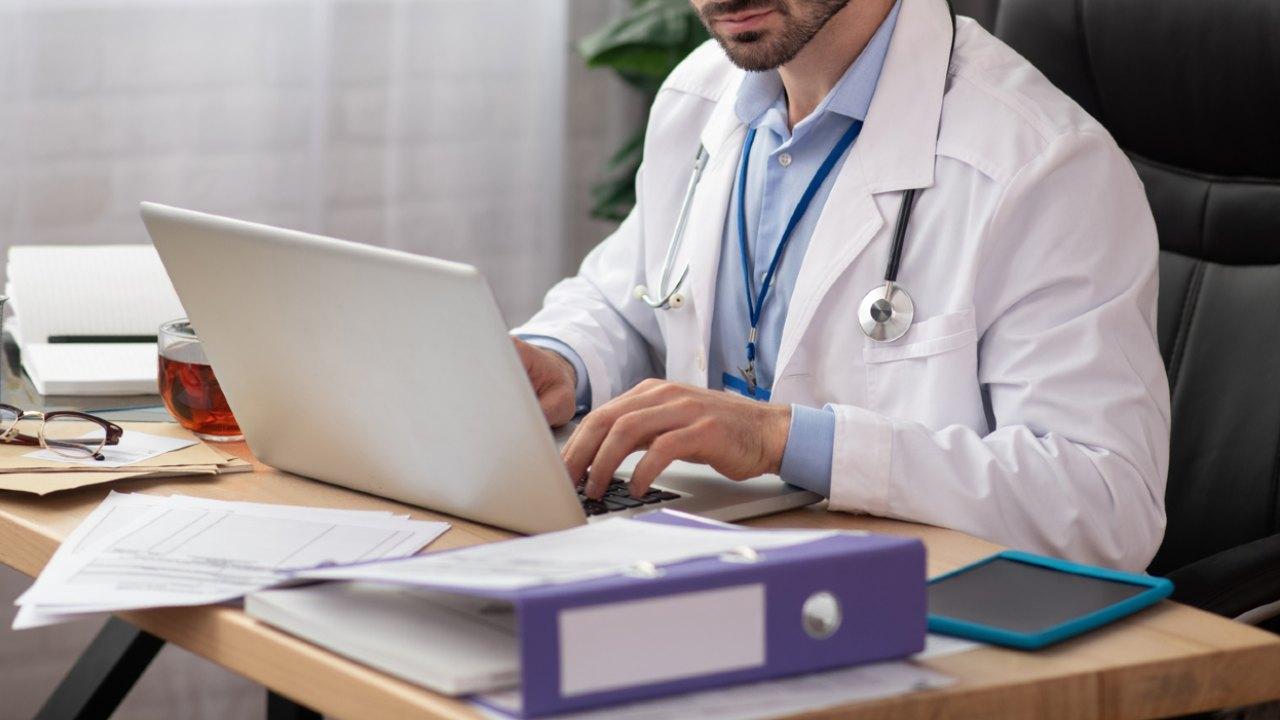 クリニック経営に成功するドクターの「電子カルテ」の使い方