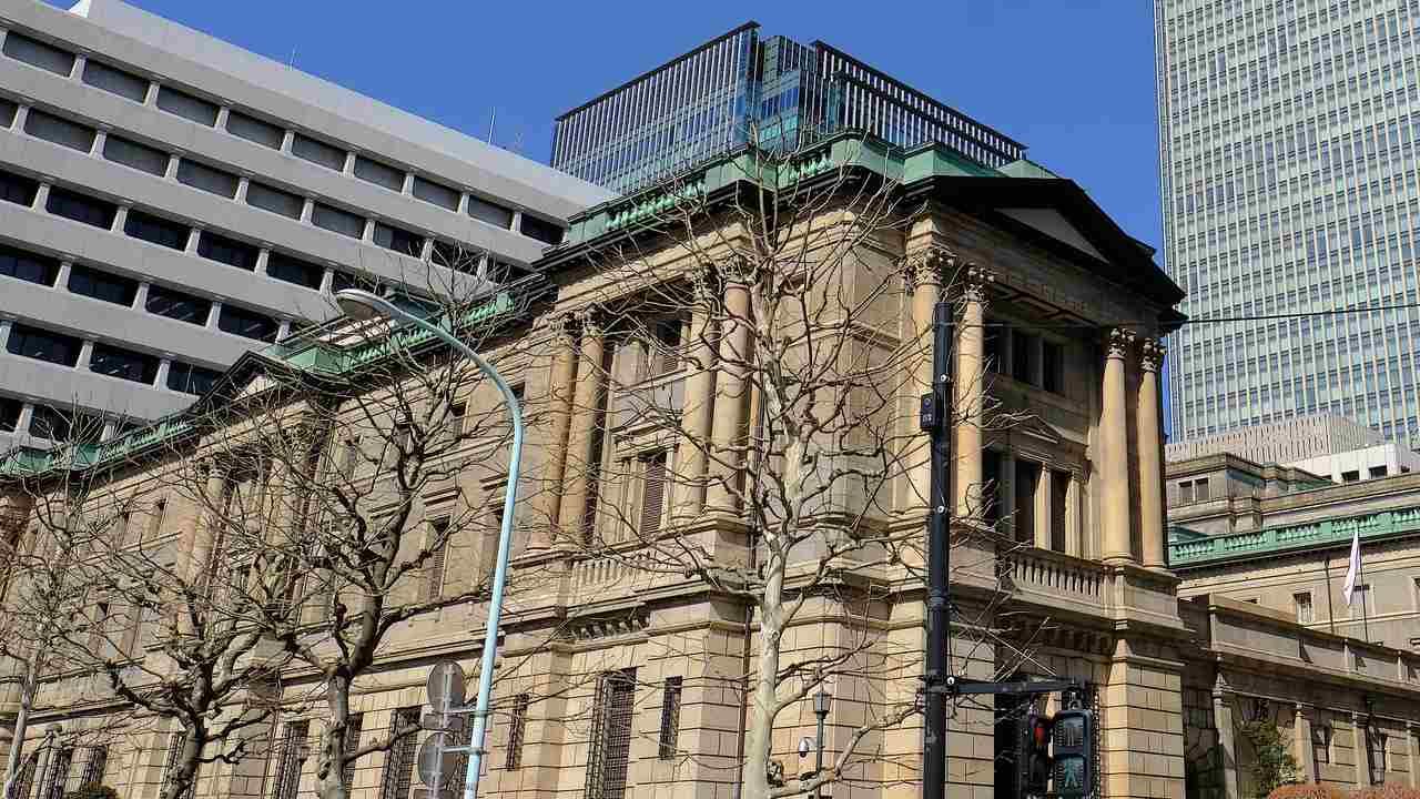 日本の財政破綻を憂う投資家が、国債を買い続ける納得のワケ