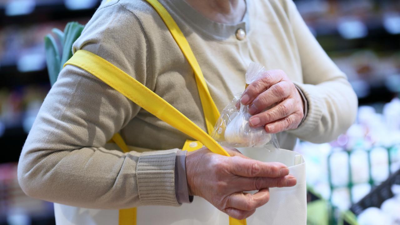 「老人ホームより快適だ」高齢受刑者1人に使われる巨額の税金