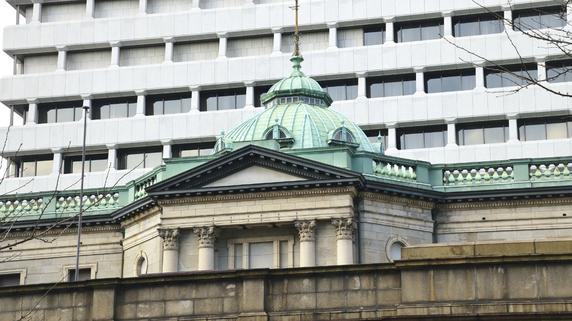 突如現れた巨鯨 金融市場の価格形成に影響を与える日本銀行