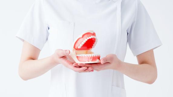 激減に絶句…「50代歯医者さんの年収」他の世代との違いは?