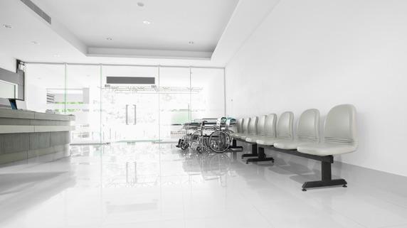 【医療崩壊】コロナ感染者を受け入れた病院「9割赤字」の絶望