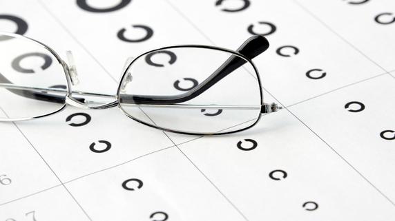 「強度近視は白内障手術ムリ」なぜか断る医師たちの呆れた本音