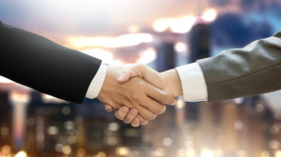 第三者への事業承継 準備段階における3つのポイント