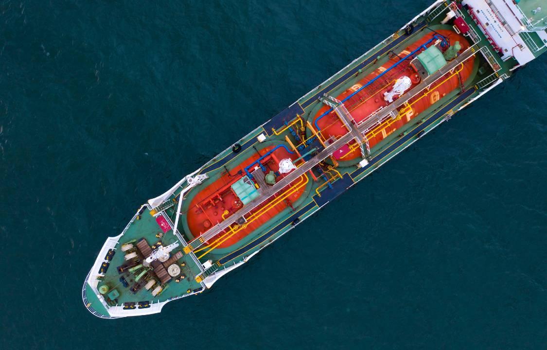 原油価格急落、湾岸戦争以降最大…マイナス面が先立つ展開に