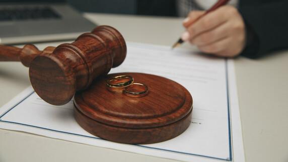 弁護士への「離婚相談」…ベストなタイミングはいつなのか?