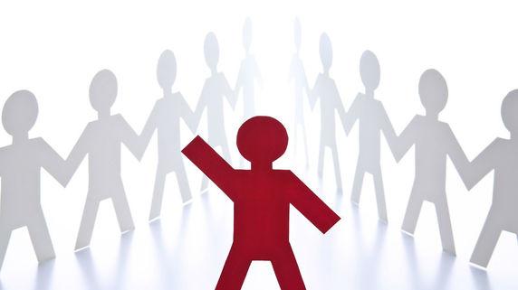 伸び悩む社員のパフォーマンス その原因を分類・分析する方法