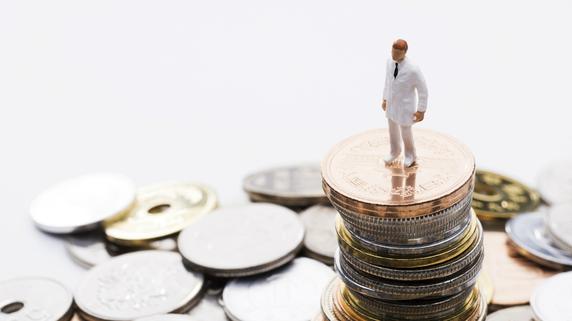 所得が4000万円に届いたら「病院の法人化」を検討すべき理由