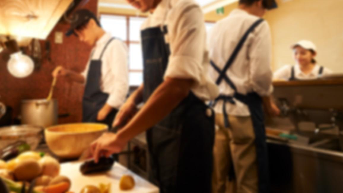 京都の大人気ステーキ丼専門店が「面接に履歴書を忘れた人」でも採用するワケ