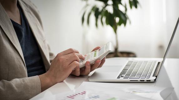 会社の会計を税理士に任せず、「自計化」するメリット
