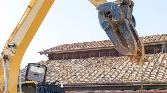 不動産投資の落とし穴!?建物の寿命を見越す「解体投資」とは?