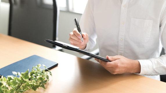 「社員が業務で習得した知識」をITで共有・活用する方法