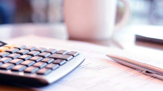 思わぬ投資損失を防ぐ リスクヘッジのための保険契約の実例