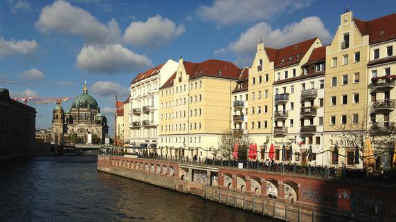 ベルリンの不動産価格を押し上げる人口増とIT企業の集積