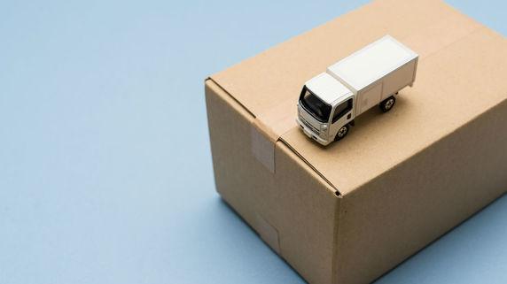 パワハラも…トラックドライバー業界の「高齢化」が深刻なワケ