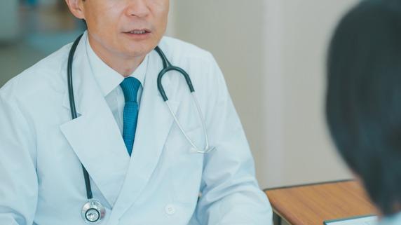 高所得の終了…どこでも稼げる最強資格・医師の「55歳の崖」