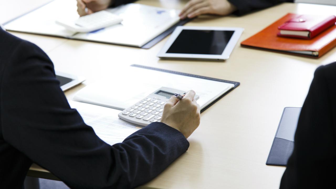 上司が仕事をしなくなる?売上達成率に基づく人事評価の問題点