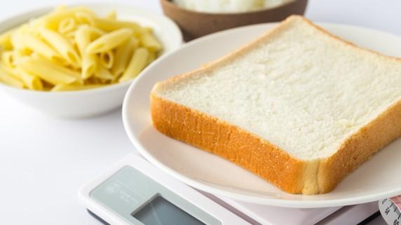 糖質制限に潜む3大リスク「体臭悪化・便秘」あとひとつは?