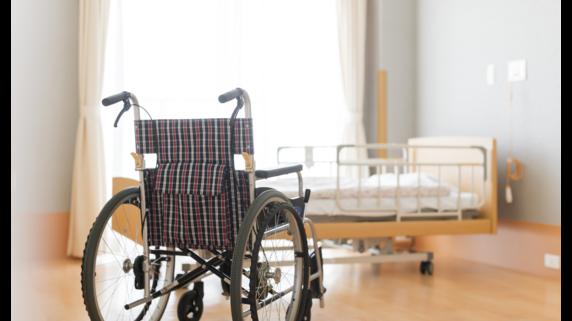 子が親の「老人ホームの入居金」を負担…贈与税は課税される?