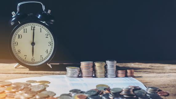 投資信託の「消極運用・積極運用」…長期投資で有利なのは?