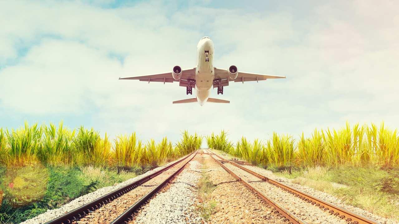 鉄道、航空産業などが投資対象…インフラファンドの特徴