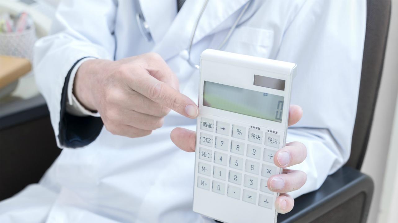 医院の出資持分の「評価」を下げて行う事業承継対策