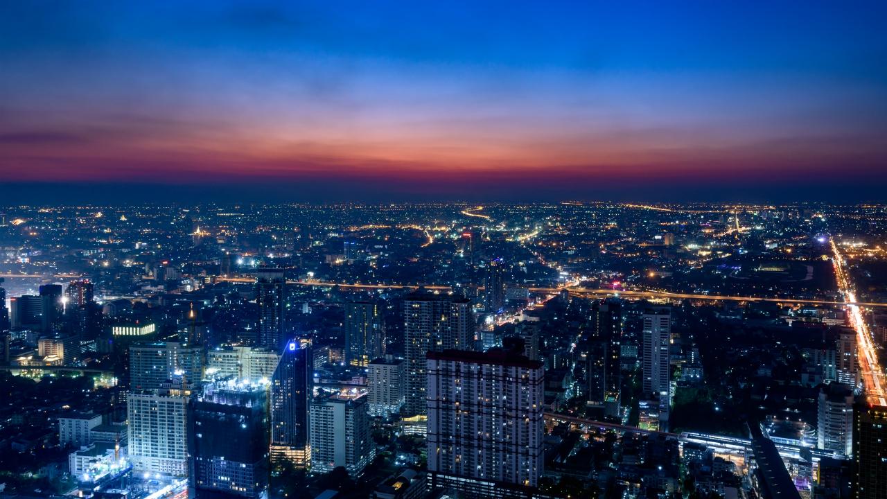 居住はバンコク、資産管理は香港…どんなメリットがある?