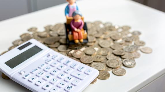 「毎年69万円を肩代わり」認知症の親を支え…介護破産の現実