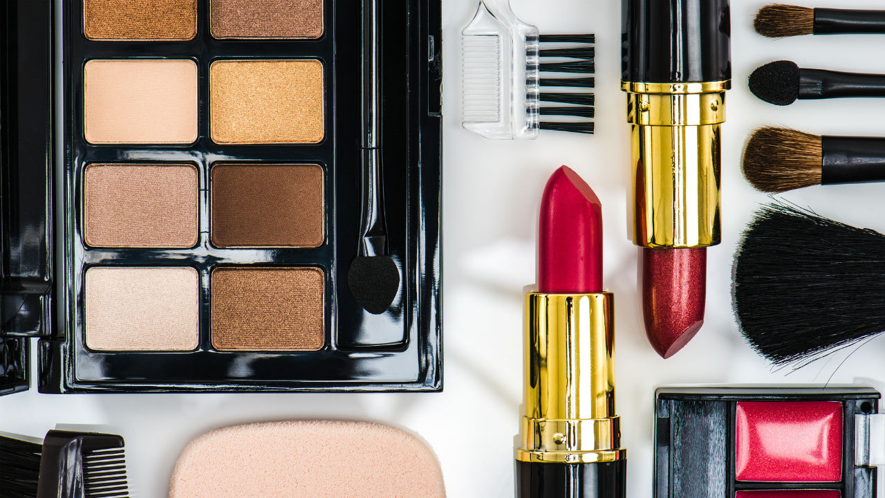 ヤーマン、化粧品開発を子会社化 小さな記事ですが・・・