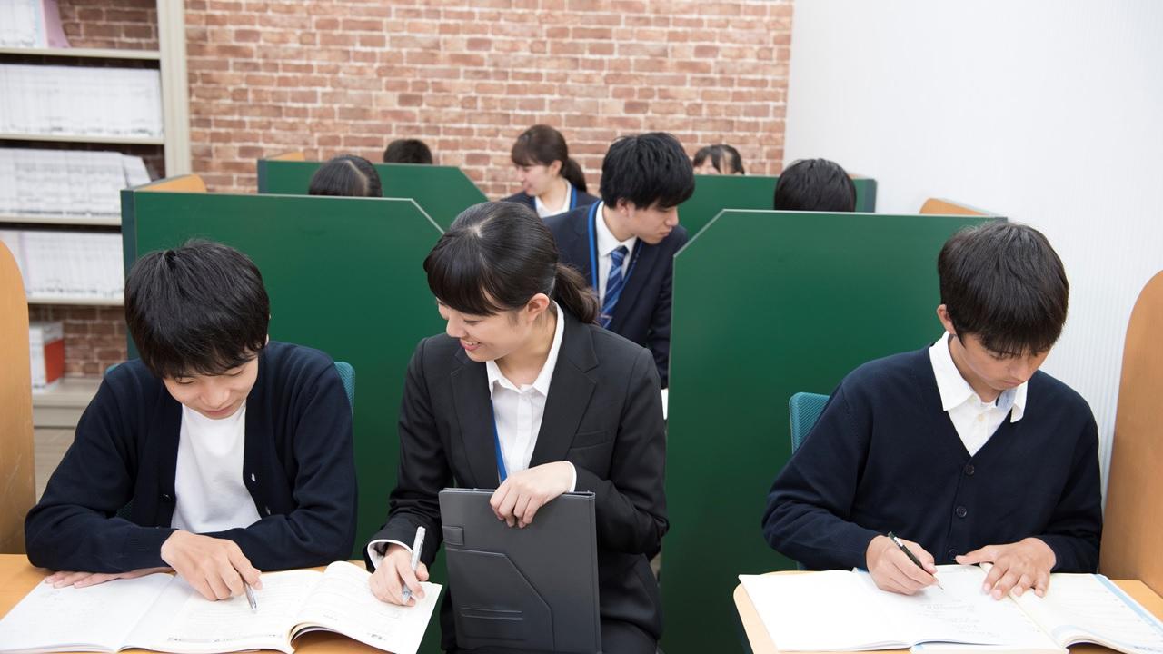 群雄割拠の塾業界…個別指導学院フリーステップの優位性