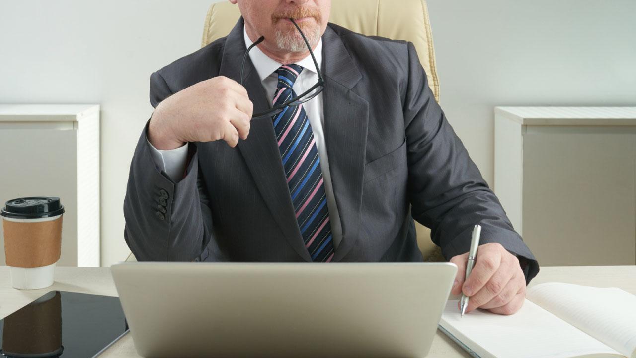 働きながら年金をもらう人に適用される「在職老齢年金」の概要
