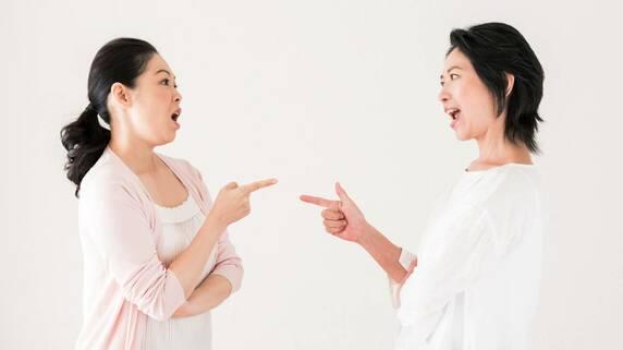 きょうだいの信頼関係も粉々…「コッソリ遺言書を残す」親の罪