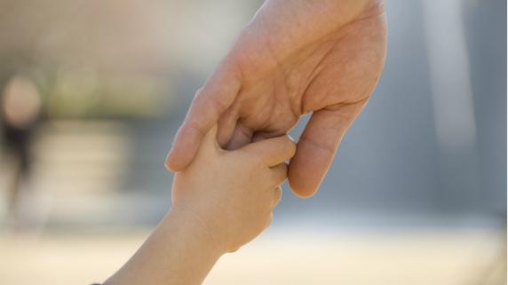 前夫と暮らす「妻の実子」に生前贈与を行った事例