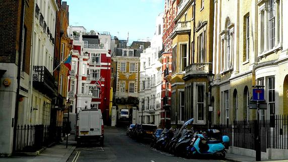 オフィスを住居に改装して転売する「英国流」の投資法