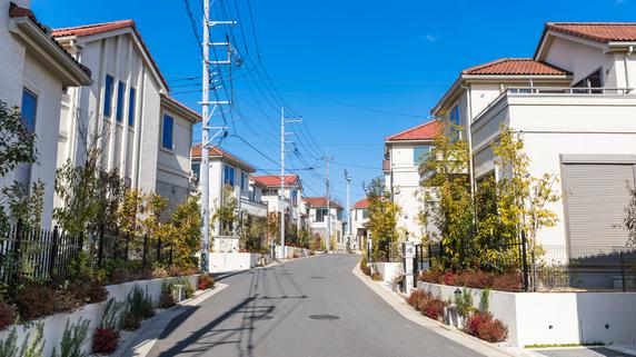 建築基準法の「42条2項道路」に面した物件は人気がない理由