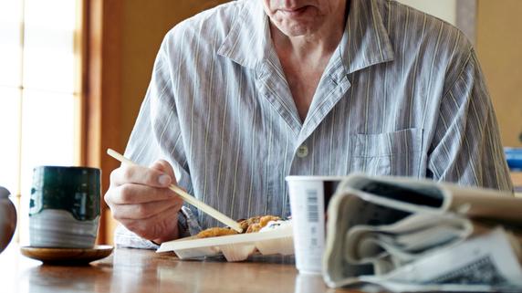 「あえて独居」の高齢者、「健康寿命」を延ばす4つのポイント