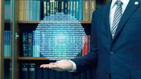 情報戦のスペシャリストが「1冊の本」に込めた想いとは?