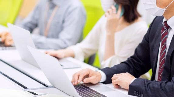 従業員が仕事中に「新型コロナ」感染…労災は適用されますか?