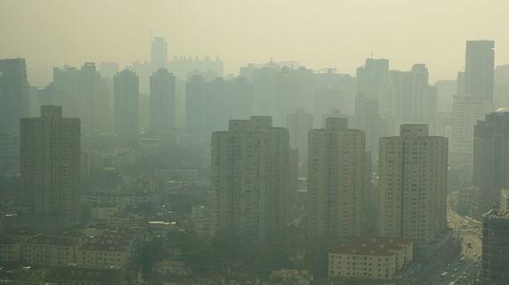 地価バブル、深刻な公害…中国で起きている問題とは?