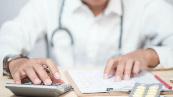 医療法人の定款に定めておくべき「基金制度」とは?