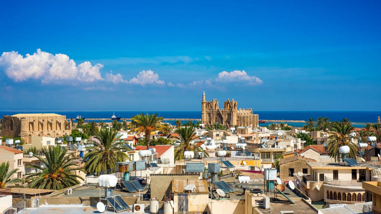 観光を主要産業とする地中海の小...