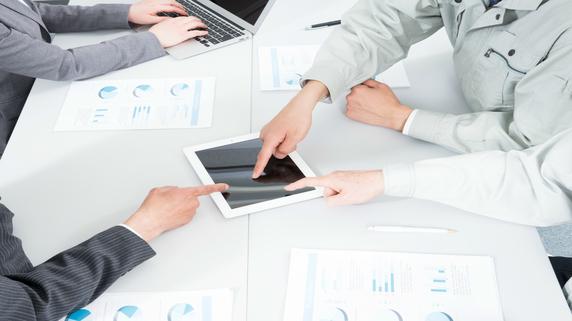 対話型営業をスムーズに…タブレットへの情報集約テクニック