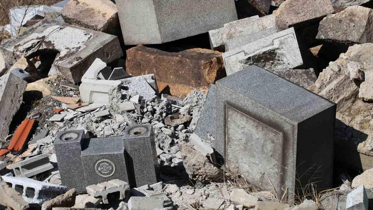 人口過密の大都市圏で「無縁墓の増加」が止まらない悲しい事情