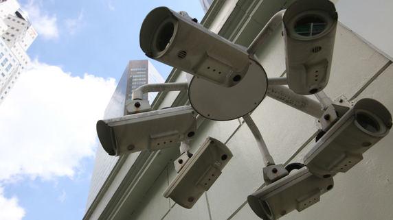鞭打ち刑で一発失神も?シンガポール「世界一の治安」の裏側