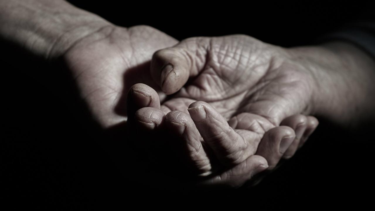 破綻続出に絶句…「施設だって老老介護」人手不足業界の断末魔