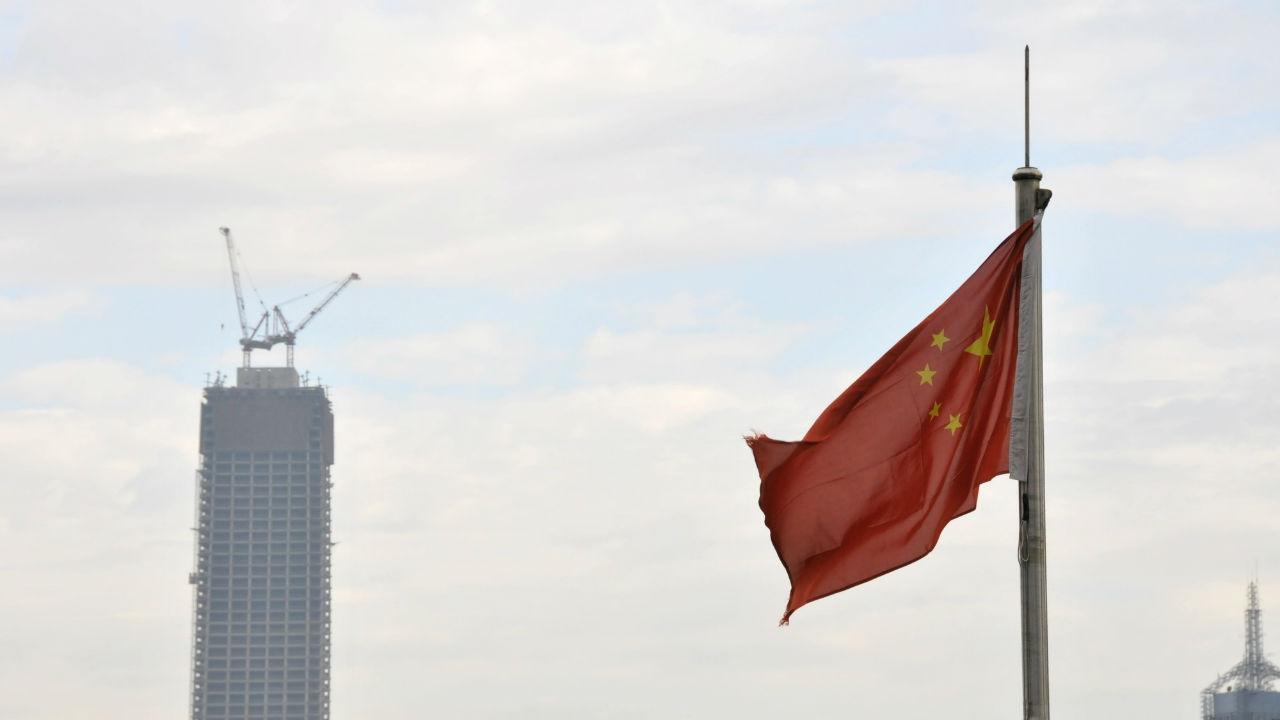 中国、景気後退の元凶から安全弁へ