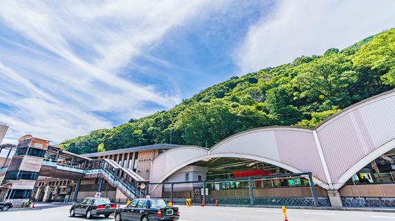 箱根の古い別荘を一棟貸切ゲストハウスへ…収益化を実現した例